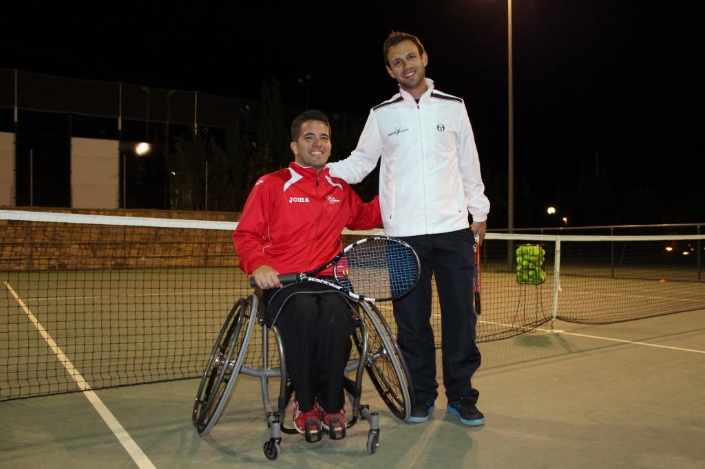 El tenista Kike Síscar con su entrenador Alejandro