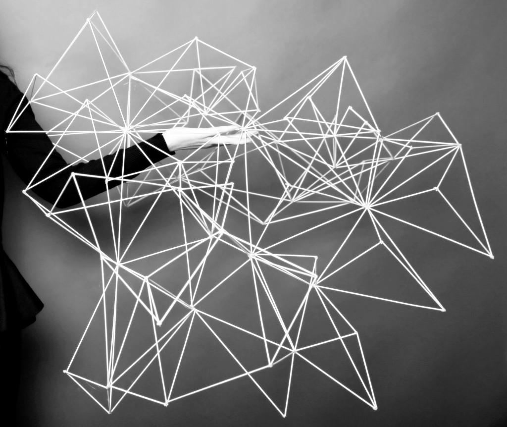 Architekt und Künstler, Lorena Sánchez, haben die Fähigkeit, die Lücke zu füllen, ihn zu füllen mit dem Leben, ist es einer jener Menschen, die in der Menge der Stadt scheinen, ansteckenden Optimismus, Glück und Leidenschaft für das, was er tut.